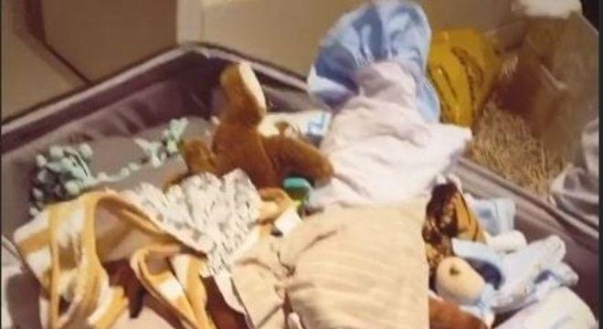 Marília Mendonça mostrou grande quantidade de roupas do filho