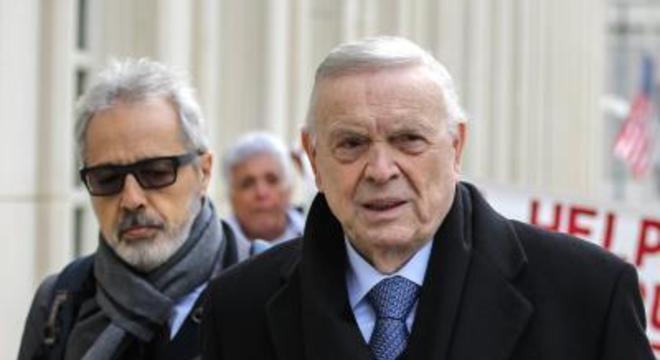 O ex-presidente da CBF, José Maria Marin (à dir.), que está preso em Nova York