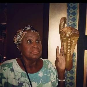 Atriz de 90 anos está internada no Rio