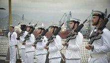 Documentos da Marinha britânica são achados em ponto de ônibus