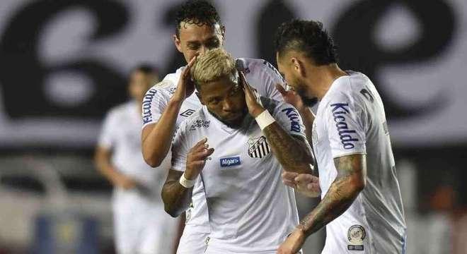 Marinho é um dos jogadores mais queridos no Santos. Time ficou revoltado