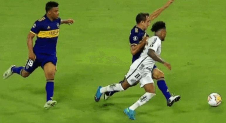 A penalidade não marcada provocou comoção na América do Sul. Boca é forte na Conmebol