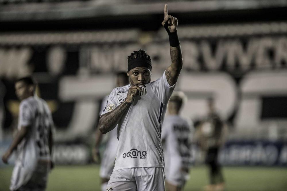 A primeira, e fundamental missão de Carille, será recuperar Marinho. Sonho é Libertadores