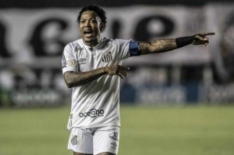 Marinho é destaque do Santos no ano