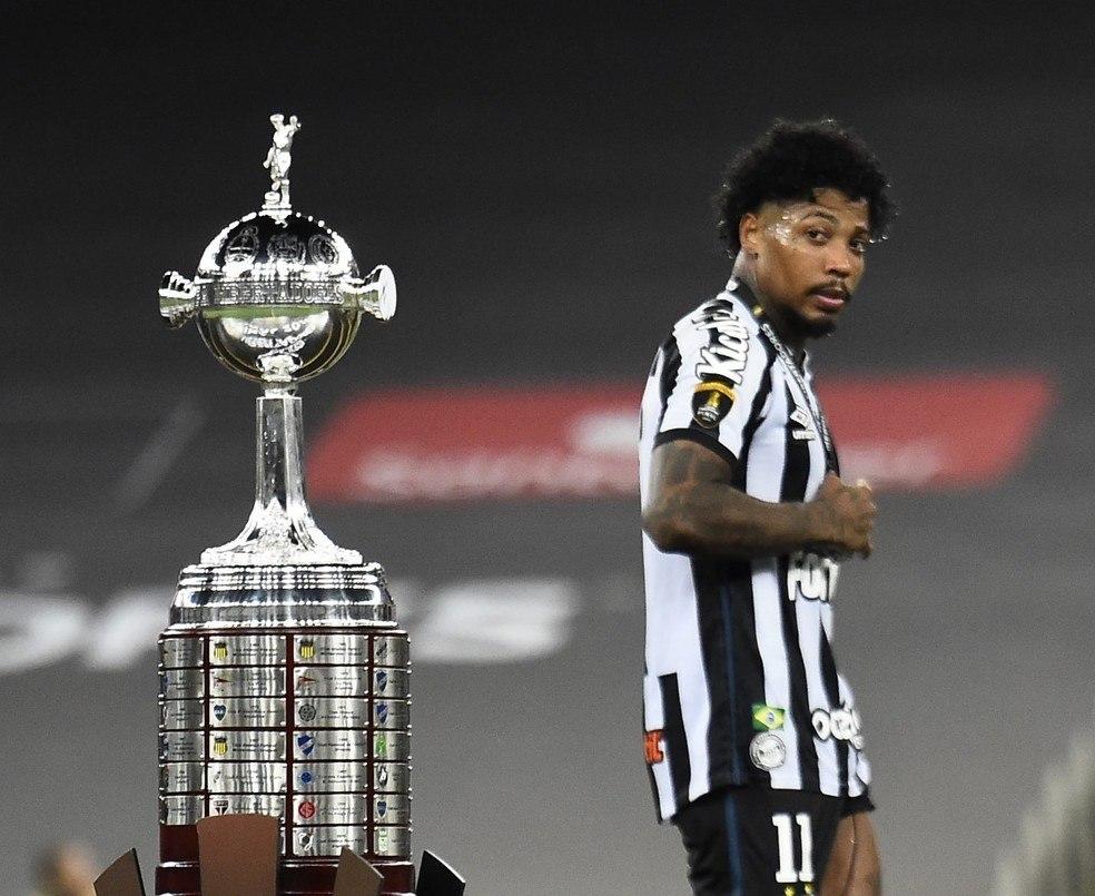 A desilusão da final da Libertadores de 2020. Santos eliminado ontem na fase de grupos