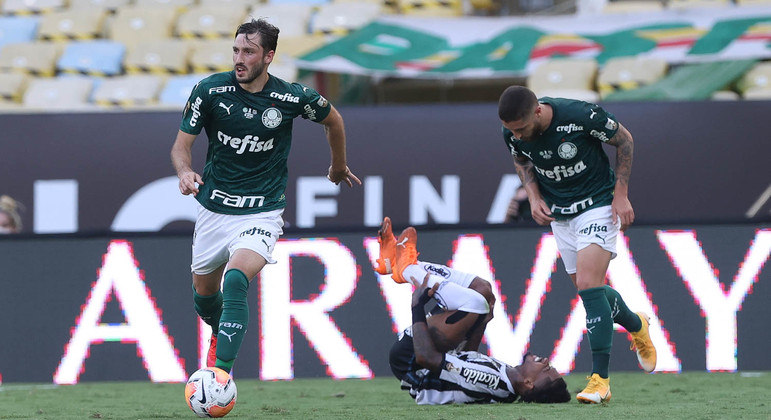 Marinho foi anulado pela fortíssima marcação palmeirense. Mérito de Abel Ferreira