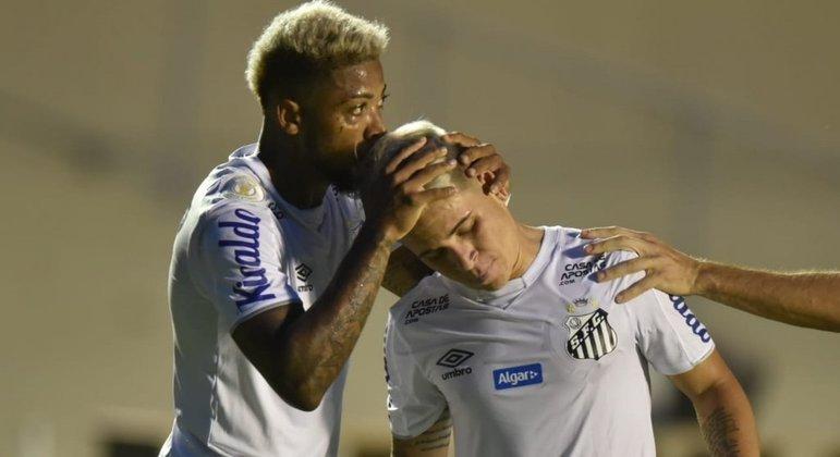 Marinho e Soteldo podem sair do Santos. Clube deve mais de R$ 550 milhões