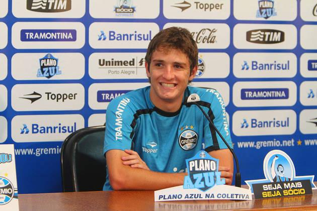 Mário Fernandes, que começou no futebol pelo Grêmio, mas defendeu a Rússia na Copa de 2018.
