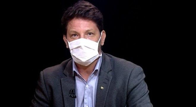 Mário Frias foi submetido a um cateterismo em hospital da capital federal