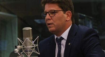 Na imagem, secretário Mário Frias