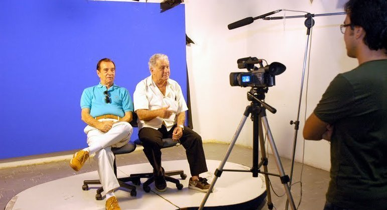 Orlando Drummond e Mário Monjardim no estúdio