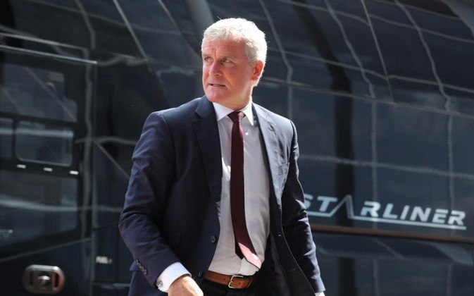 Mark Hughes treinou a seleção do País de Gales e teve uma passagem fraca pelo Manchester City em 2008. Sua última aparição na beira do gramado foi como técnico do Southampton, em 2018