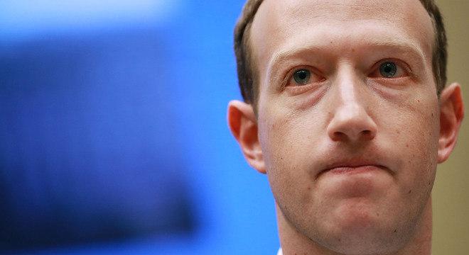 Mark Zuckerber teve que dar explicações sobre uso de dados do Facebook neste ano