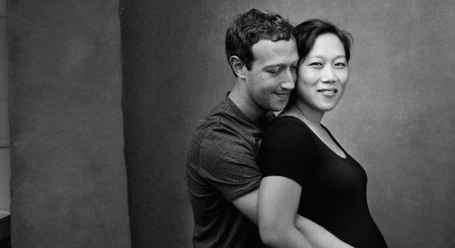 Zuckerberg também compartilhou essa foto com Priscilla grávida