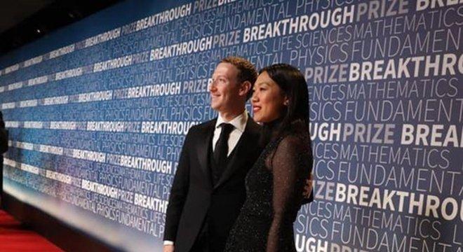 Zuckerberg e sua mulher, Priscilla Chan, em um evento da Nasa, a agência espacial americana