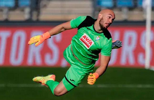 Marko Dmitrovic (goleiro - 29 anos - sérvio) - Fim de contrato com o Eibar - Valor de mercado: 8 milhões de euros