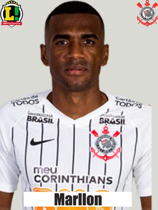 Marllon - 5,0: Na sua volta ao Corinthians, não teve o melhor entendimento com Gil e ficou exposto pela fragilidade dos volantes.