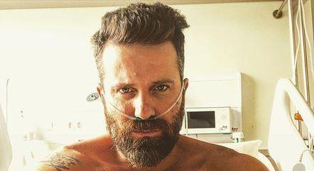 Marlon postou foto ainda no hospital