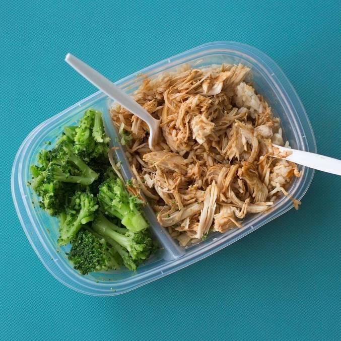 Aplicativo de delivery e CUFA distribuirão 6.000 refeições neste mês