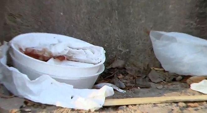 Marmitas podem ter sido envenenadas após a entrega aos moradores de rua
