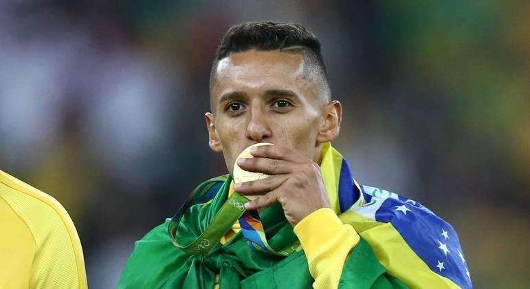 Marquinhos também foi campeão olímpico. PSG não aceita liberá-lo. Assim como Neymar