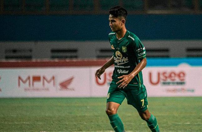 Marselino Ferdinan (Indonésia) - Clube: Persebaya Surabaya (Indonésia) - Posição: Meia-ofensivo