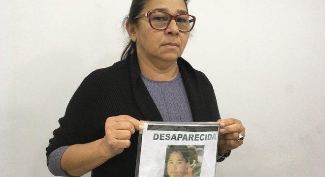 Marta Torres Castelo Branco procura a filha Eliene, que desapareceu em 2013, com 36 anos Desaparecimento não é crime, mas pode ser causado por atos criminosos
