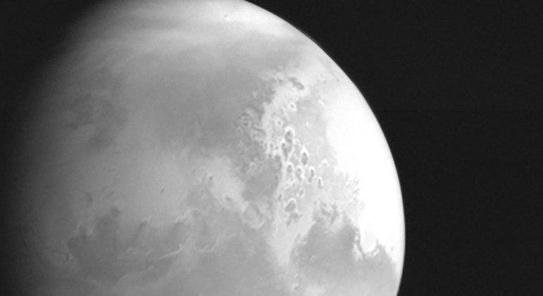 Sonda espacial chinesa Tianwen-1 envia para Terra foto de Marte