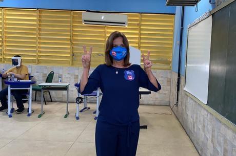 Martha Rocha votou neste domingo por volta das 11h