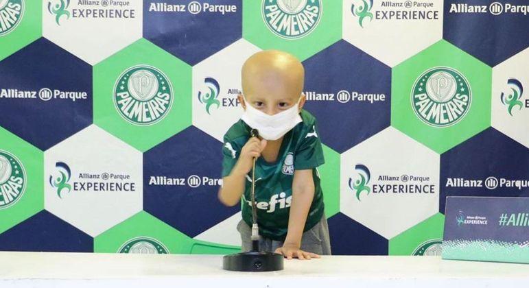 Martim, de apenas 4 anos, venceu a luta contra o câncer e realizou o sonho de conhecer o Allianz Parque