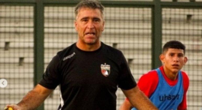 Martin Brignani está preocupado com a falta de ritmo de jogo do time