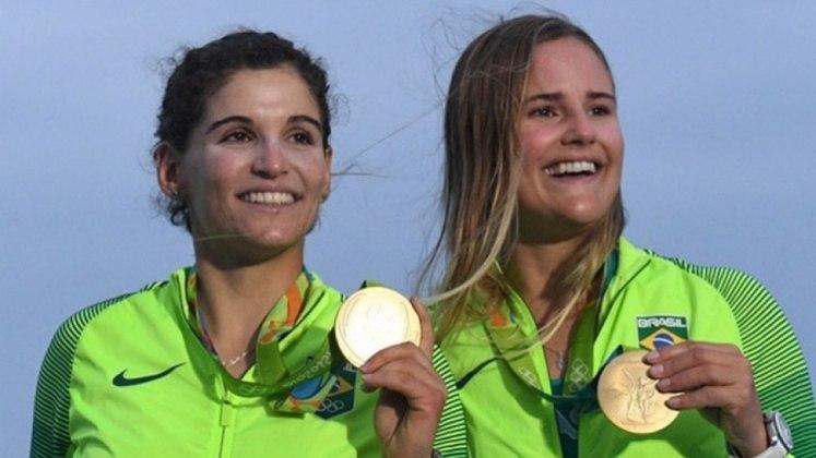 Martine Grael - Filha de Torben Grael, conquistou a medalha de ouro ao lado de Kahena Kunz, nas Olimpíadas do Rio de Janeiro, em 2016.