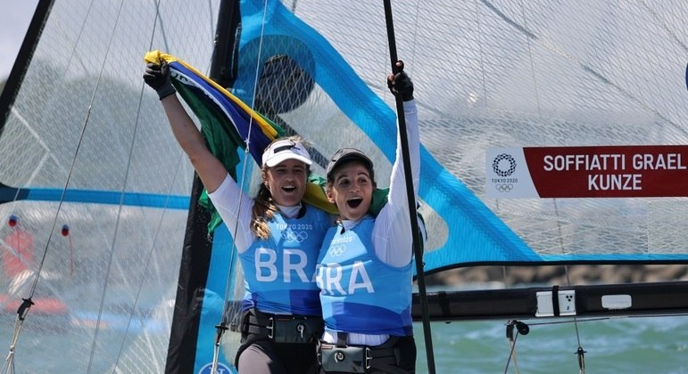Martine Grael e Kahena Kunze conquistaram a segunda medalha de ouro olímpica consecutiva
