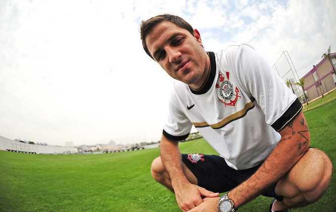 Martínez - Conhecido como 'Burrito' Martínez, o atacante argentino deixou o Corinthians em 2013 para jogar no Boca Juniors. Passou também pelo Real Salt Lake (EUA), e atualmente está no Independiente.