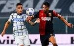 A Internazionale pulou para a terceira colocação do Campeonato Italiano ao vencer fora de casa o Genoa, por 2 a 0, com gols de Lukako e D'Ambrosio no segundo tempo. A equipe de Milão foi beneficiada pelo fato de a Atalanta, que vinha à sua frente, ter perdido por 3 a 1 para a Sampdoria, que subiu para a quarta colocação, atrás da própria Atalanta. O Milan, que venceu todas as suas quatro partidas, lidera e enfrenta, na segunda-feira, em casa, a Roma