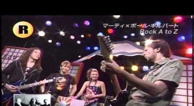 Mestres: Marty Friedman e Paul Gilbert duelam tocando Green Day, Rush e mais