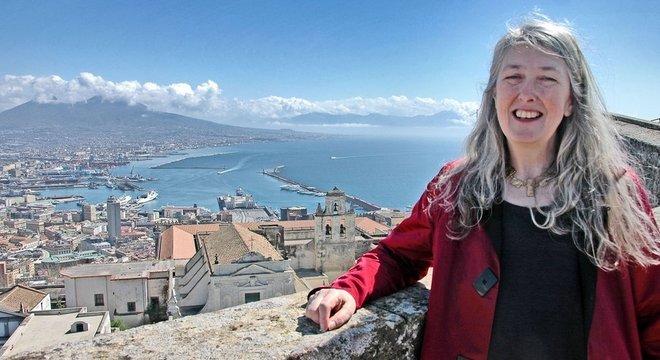Mary Beard escreveu um livro e apresentou uma série da BBC sobre a antiga cidade de Pompeia