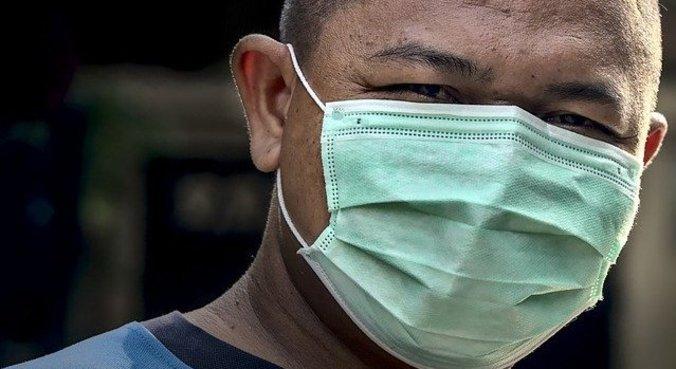 Máscara evita que vacinados transmitam doença para quem não foi imunizado
