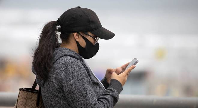Máscara impede leitura de pontos importantes do rosto, segundo especialista
