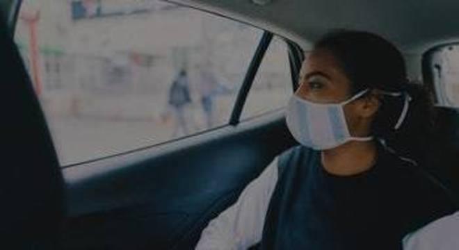 Uso de máscara será obrigatório em carros de aplicativo e táxis em vários estados do Brasil
