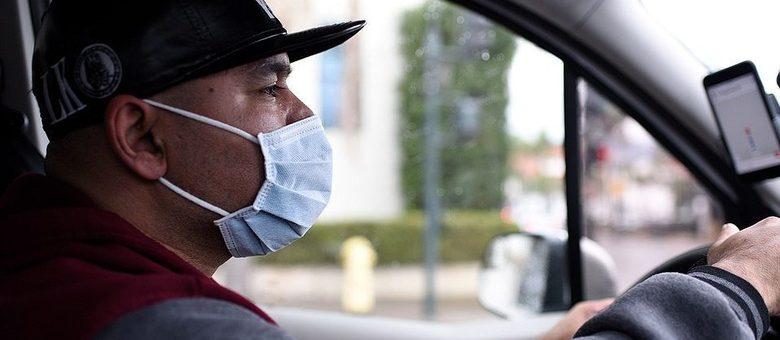 Motorista de aplicativo: empresas sugerem higienização do veículo e uso de máscara