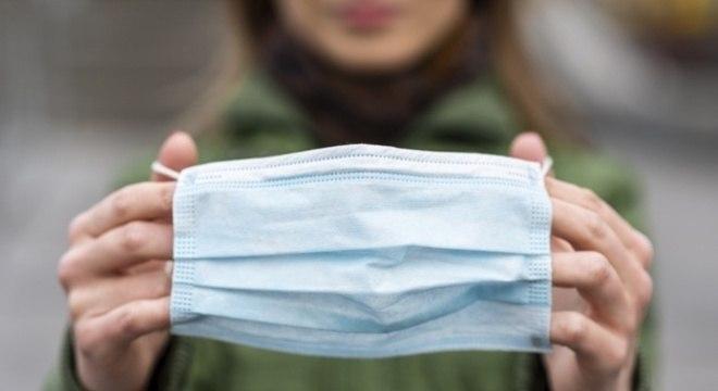 """""""Precisaremos de 7,5 milhões de máscaras para os mesários"""", diz Barroso"""