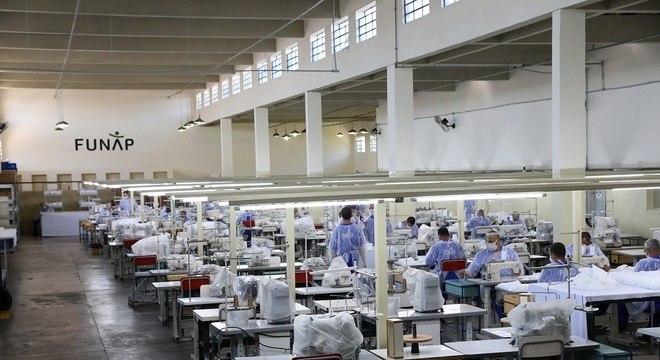 Presos de São Paulo já produziram mais de 1,5 milhão de máscaras