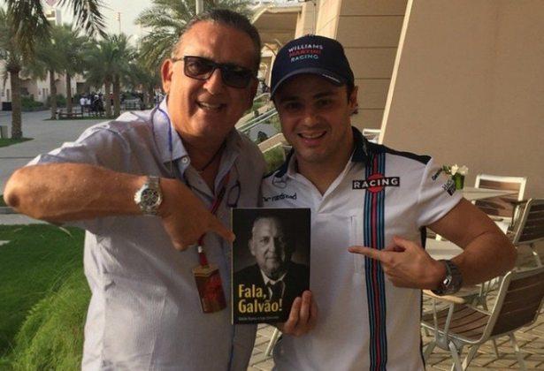 Massa até mesmo ganhou um livro do amigo