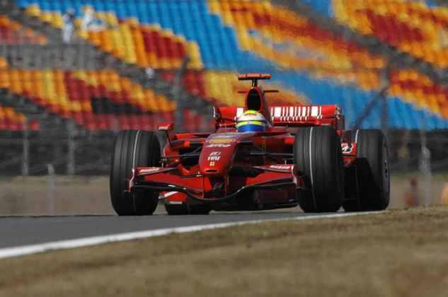 Massa só deixou de liderar a corrida nos momentos em que precisou ir aos boxes.
