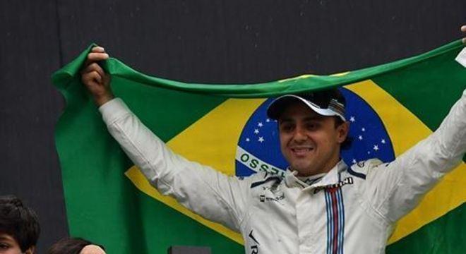 Massa também comentou que sua relação pessoal com Alonso era harmoniosa e quanto ele trabalhava para que tudo estivesse do seu jeito e sobre o poder que tinha junto da Ferrari