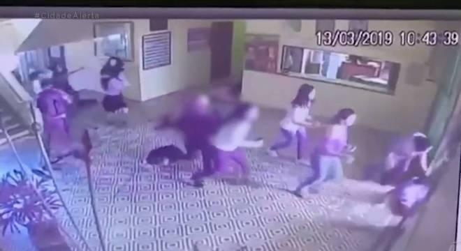 Atiradores mataram cinco crianças e dois funcionários em escola estadual de SP