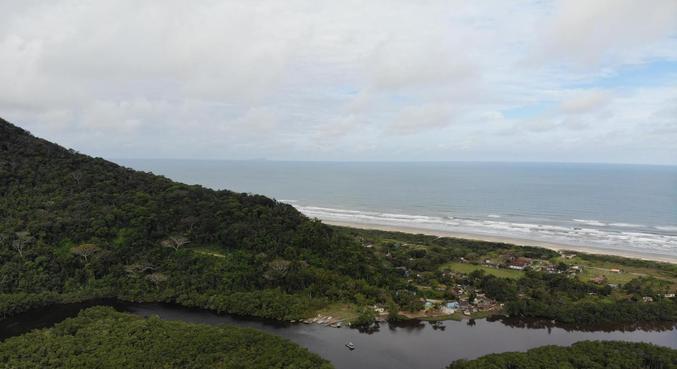 Barra do Una, em São Sebastião, litoral norte de São Paulo, em área de Mata Atlântica