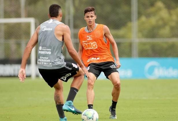 Matheus Araújo - meia - 18 anos - Chegou ao clube em 2019 e vinha atuando pelo sub-20 do Corinthians. Está na lista dos jogadores chamados por Mancini para treinar com o profissional.