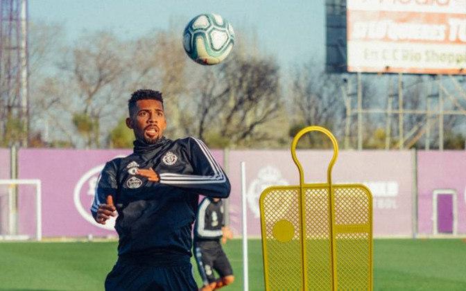 MATHEUS FERNANDES – O brasileiro, que já havia sido emprestado, parece não estar nos planos do técnico Ronald Koeman para seguir no Barcelona. Ex-Botafogo e Palmeiras, o volante pode sair do time catalão ainda nessa temporada.